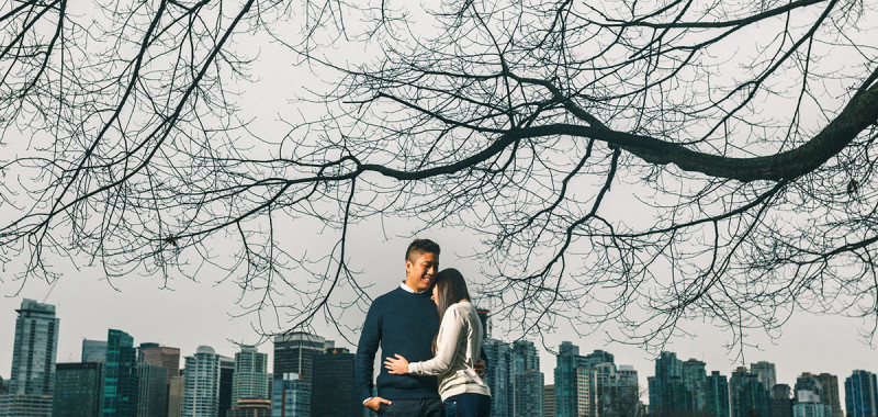 Rainy Engagement phootshoot - Stanley Park