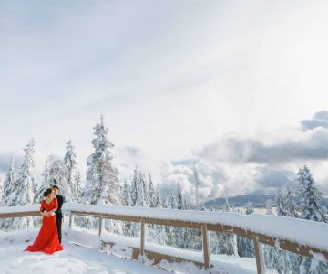 VANCOUVER PRE-WEDDING PHOTOGRAPHY | EVA AND DENNIS |  GROUSE MOUNTAIN, STANLEY PARK and GASTOWN, VANCOUVER, BC